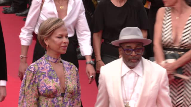 """vídeos de stock, filmes e b-roll de spike lee and tonya lewis lee attend the """"the french dispatch"""" screening during the 74th annual cannes film festival on july 12, 2021 in cannes,... - cannes"""