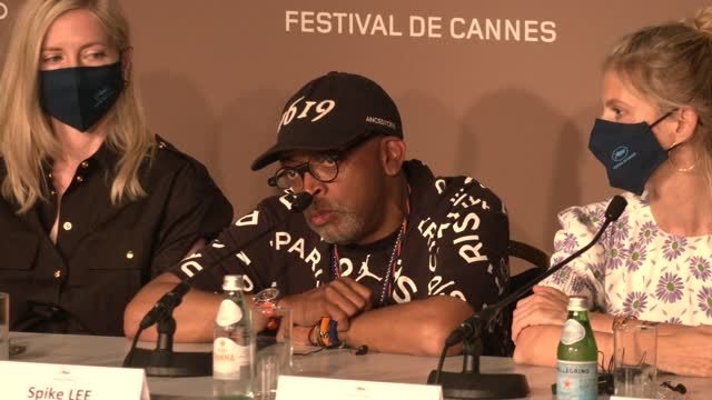 vídeos de stock, filmes e b-roll de spike lee, director and president of the jury, on the racism and violence black people still face, 30 years after his career started, attends the... - cannes