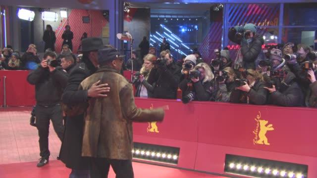 stockvideo's en b-roll-footage met spike lee john cusack nick cannon at 'chiraq' red carpet 66th berlin international film festival at berlinale palast on february 16 2016 in berlin... - internationaal filmfestival van berlijn 2016