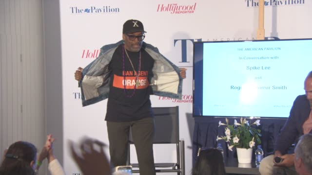stockvideo's en b-roll-footage met spike lee, roger geunveur smith on how donald trump should be impeached at 'in conversation with spike lee and roger geunveur smith' at american... - filmfestival