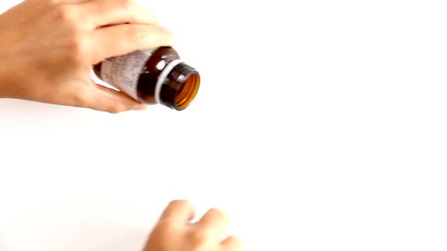 Spilling pills
