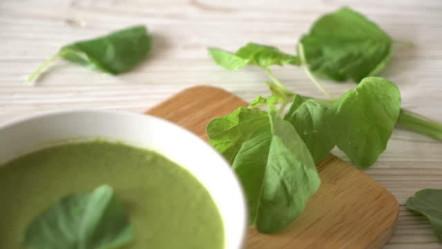 Spinat-Suppe