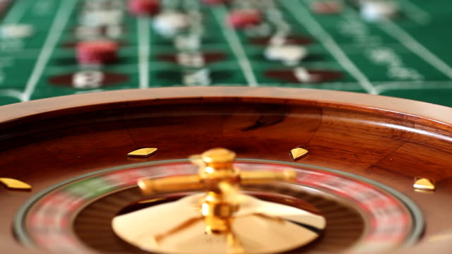 spinning casino rad - verlust stock-videos und b-roll-filmmaterial