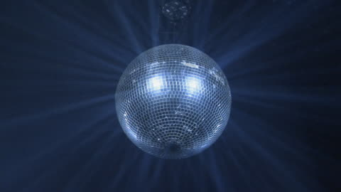stockvideo's en b-roll-footage met ms, la, spinning disco ball - nachtclub