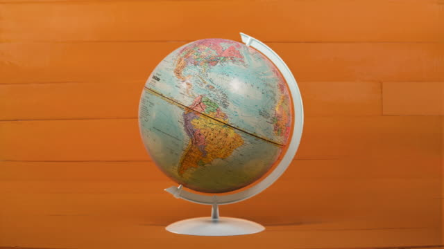 stockvideo's en b-roll-footage met spinning globe - enkel object