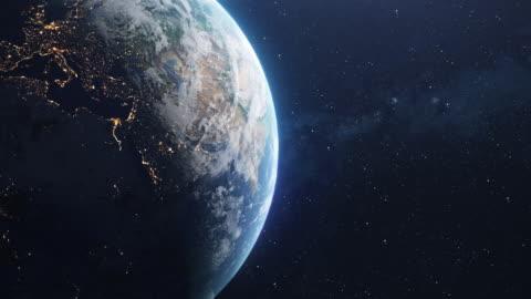 vídeos y material grabado en eventos de stock de planeta planeta tierra giratorio en el espacio - europa continente