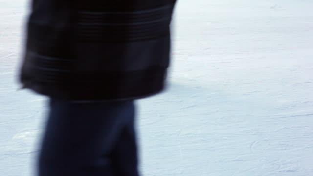 spinning skater (female - eislaufbahn stock-videos und b-roll-filmmaterial