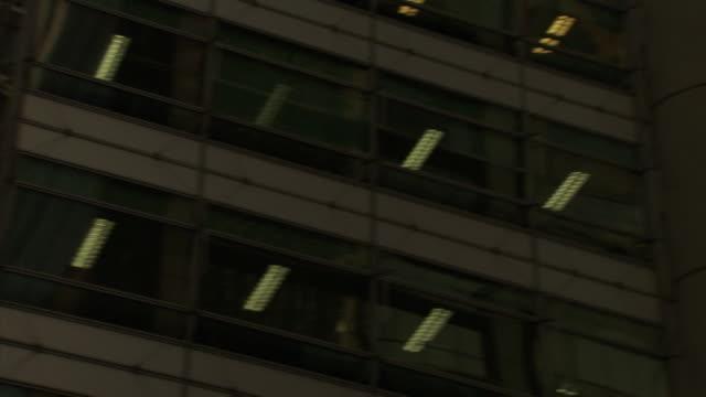 a spire rises above wynyard station on york street. - turmspitze stock-videos und b-roll-filmmaterial