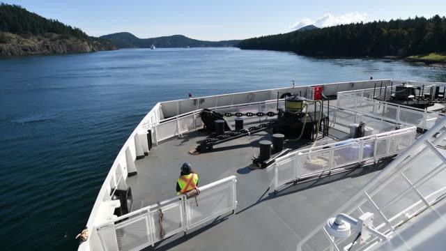 spirit of vancouver island ferry and swartz bay terminal, victoria, british columbia, canada, on monday, sep 30, 2019. - カナダ ビクトリア市点の映像素材/bロール