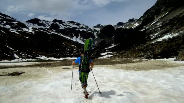 Split-Grenze Wandern zur Schneegrenze, snowboard