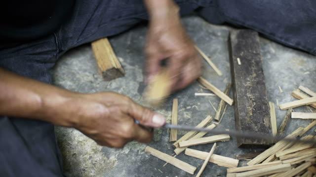 splitting firewood - danger stock videos & royalty-free footage