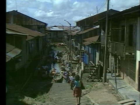spokesman discusses the cholera epidemic in peru. - vibrio stock videos & royalty-free footage