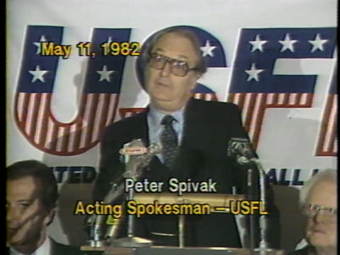 vídeos y material grabado en eventos de stock de usfl spokesperson pter spivak announcing the formation of the new league during a press conference at the 21 club/ new york city new york - traje completo