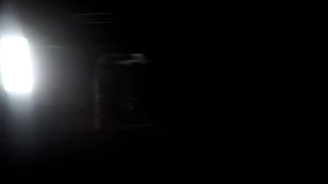 vídeos de stock, filmes e b-roll de assustador passeio de trem - inferno vida após a morte