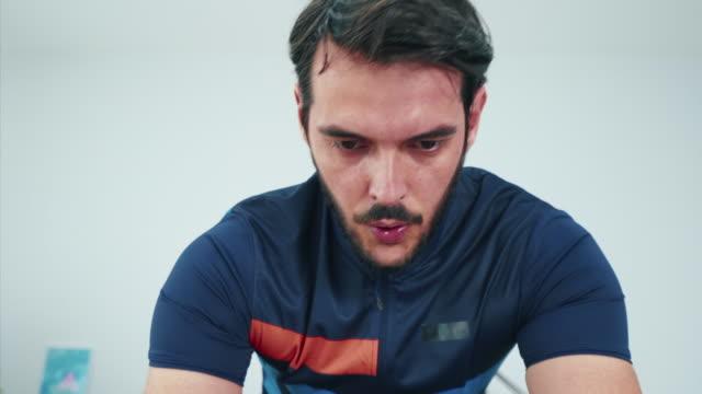 idrott är en del av mitt liv. - ansträngning bildbanksvideor och videomaterial från bakom kulisserna