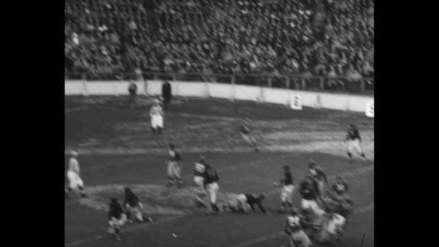 """[sportfolio episode 126] countdown / sportfolio intro sequence / title card: """"place commercial here"""" / fans in stands at the polo grounds / vs... - contestant stock videos & royalty-free footage"""