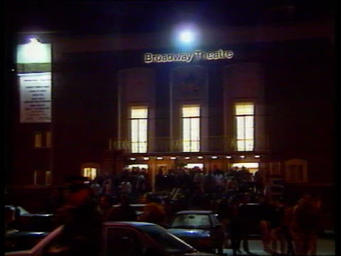 boxing promoter frank warren shooting; england, south london, shooters hill night police car arrives at brook hospital interior showing doors of... - cartridge stock videos & royalty-free footage