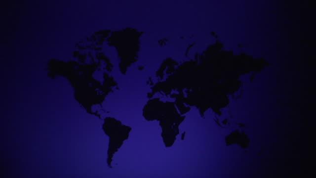 vídeos y material grabado en eventos de stock de ws, spot lights highlighting africa on blue world map - américa del sur
