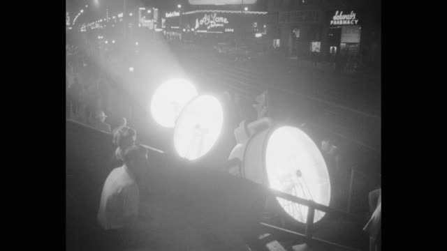 spotlights rotating during film premiere at night - film premiere stock videos & royalty-free footage