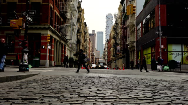 春セント、グリーン セント, ニューヨーク - 町並み点の映像素材/bロール