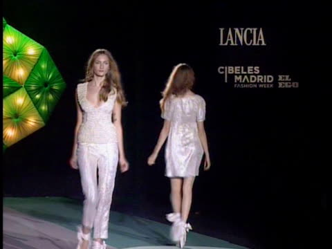 spring / summer collection 2011 sita murt: cibeles madrid fashion week on september 20, 2010 in madrid, spain - fashion collection stock videos & royalty-free footage