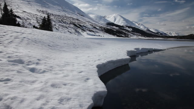 spring thaw on lower summit lake, chugach national forest, alaska - chugach national forest stock videos & royalty-free footage