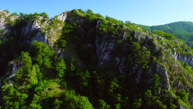 springtime, parque natural de aizkorri-aratz, aizkorri-aratz natural park, arantzazu, oñati, gipuzkoa, basque country, spain, europe - parque natural stock videos and b-roll footage