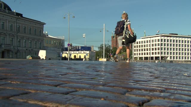 square in helsinki - pavement stock-videos und b-roll-filmmaterial
