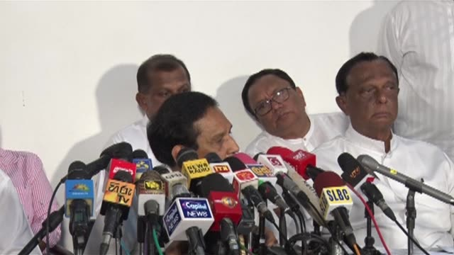 sri lanka's government spokesman rajitha senaratne says an international intelligence agency had warned of possible attacks on various places in the... - eventuell stock-videos und b-roll-filmmaterial