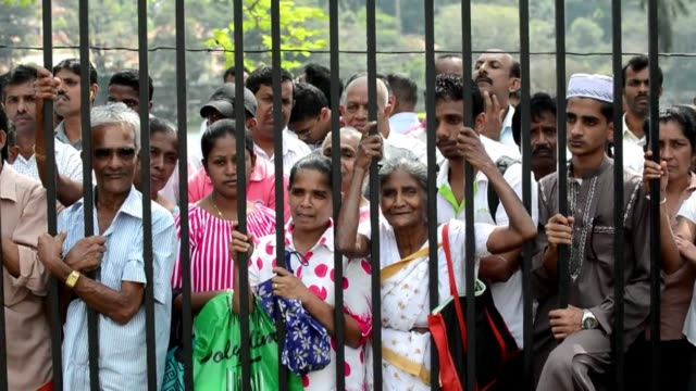 stockvideo's en b-roll-footage met sri lankas new government on sunday accused toppled strongman mahinda rajapakse of having tried to stage a coup to cling to power after losing last... - staatsgreep