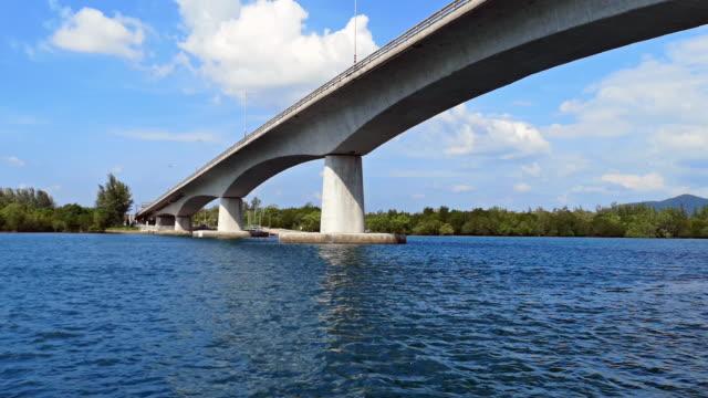 sri lanta bridge, saladan, ko lanta, krabi, thailand - sotto video stock e b–roll