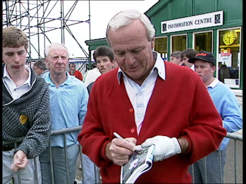 Palmer and Faldo NAO SCOTLAND StAndrews Arnold Palmer along signing autographs as commenting on this being his last tournament Palmer drives Grieg...