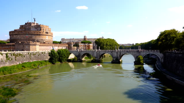 カステル・サンタンジェロとセントアンジェロ橋 - old town点の映像素材/bロール