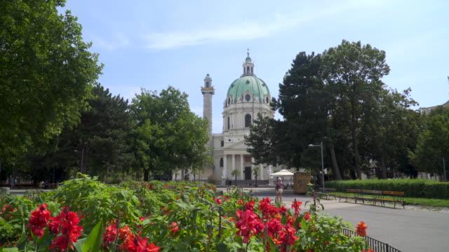 ウィーン聖チャールズ教会 - カールスプラッツ点の映像素材/bロール