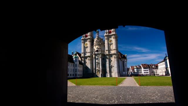 steadycam: st gallen-schweiz - kathedrale stock-videos und b-roll-filmmaterial