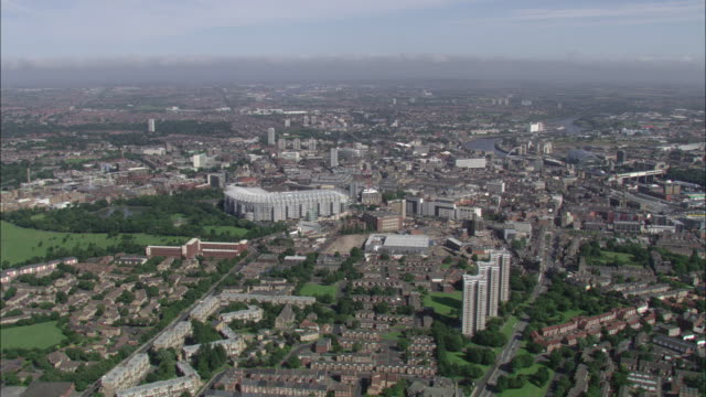 st james' park football ground and surrounding area newcastle available in hd. - newcastle upon tyne video stock e b–roll