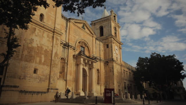 t/l ws la st. john's co-cathedral exterior / valletta, malta - valletta stock videos & royalty-free footage