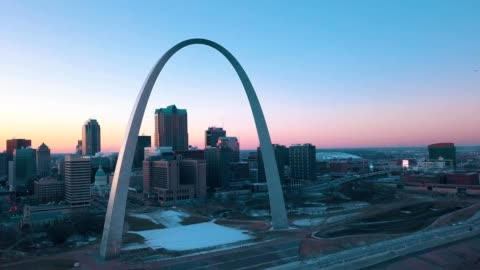 st louis arch in jefferson national memorial expansion - st. louis missouri stock videos & royalty-free footage
