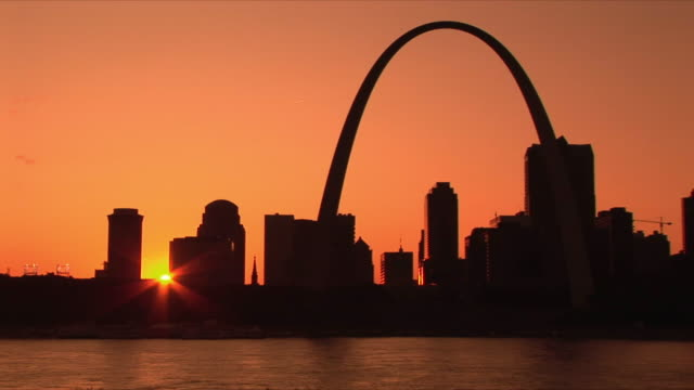 WS St Louis skyline with Mississippi river at sunset / St Louis, Missouri, USA