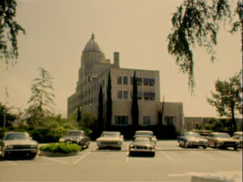 st luke hospital / main facade exterior of st luke hospital st luke hospital on january 01 1960 in pasadena california - pasadena los angeles video stock e b–roll