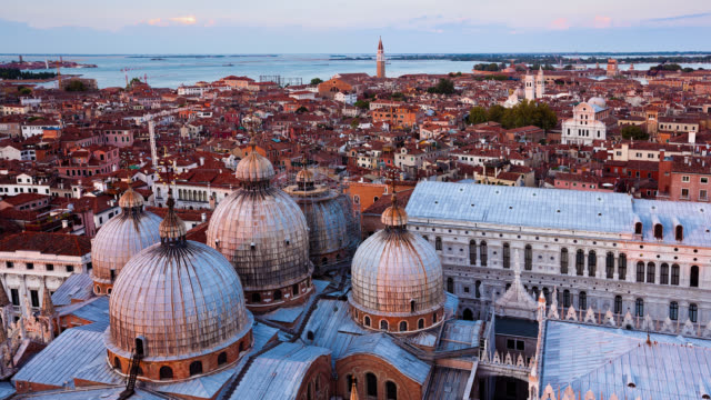t/l hs st mark's basilica and venice at sunset / venice, italy - basilica video stock e b–roll