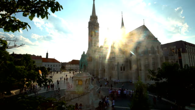 st. matthias kirche in budapest, time lapse - kirche stock videos and b-roll footage