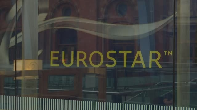 st pancras station 150th anniversary st pancras station int low angle view clock in station concourse 'eurostar' sign various horse and cart with... - eurostar stock-videos und b-roll-filmmaterial