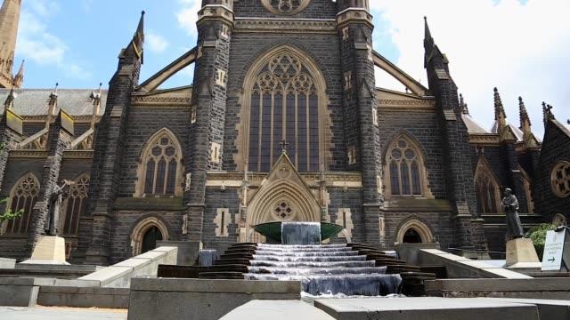 メルボルンの聖パトリック大聖堂 - 最大点の映像素材/bロール