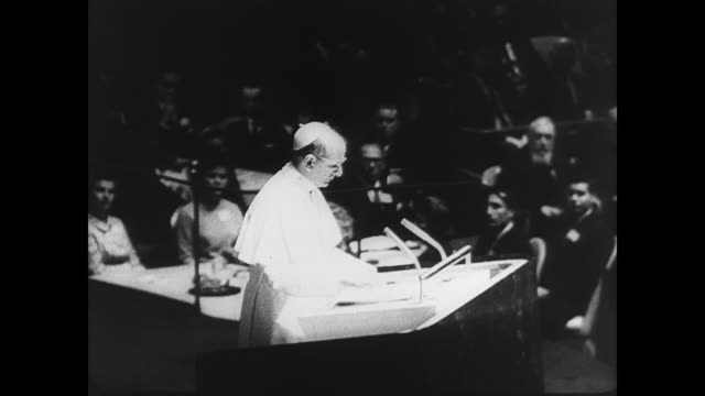 ext st patrick's cathedral in new york where pope paul vi is holding mass / pope paul vi at altar with massive crowd in pews / ext of united nations... - st. patrick's cathedral manhattan stock videos and b-roll footage