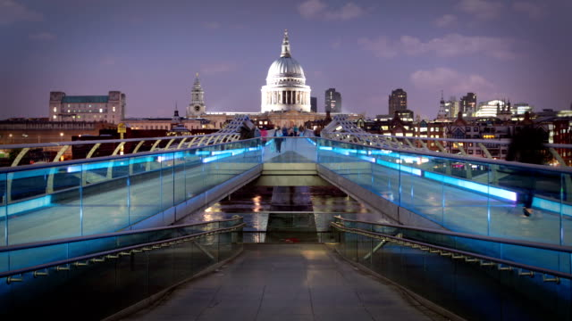 St Pauls and Millenium Bridge, London