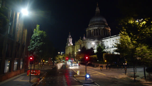 st. paul's cathedral at night in london. landmark. - male likeness stock videos & royalty-free footage