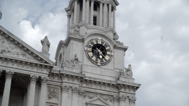 St Paul's Cathedral Clock Tower / London, England
