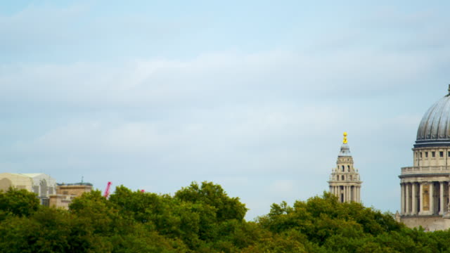 St. Paul's Cathedral from distance
