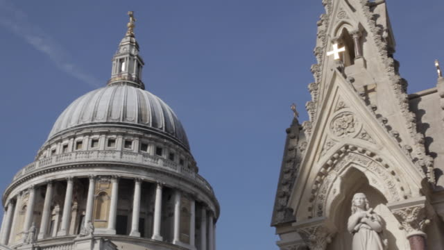 st paul's cathedral & statue, london, england, uk, europe - st. paul's cathedral london stock videos & royalty-free footage